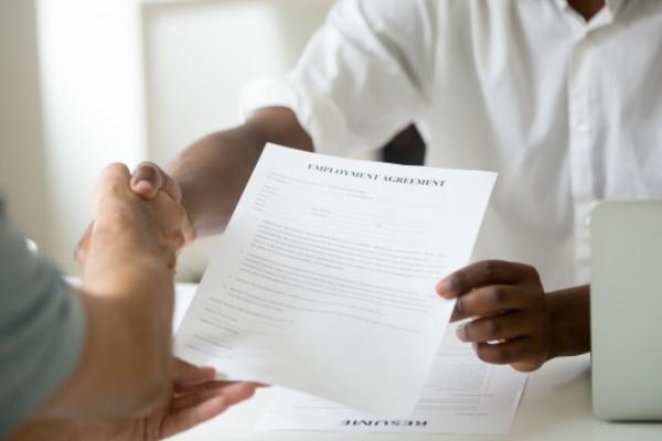 O que é e como funciona o Contrato de Experiência?
